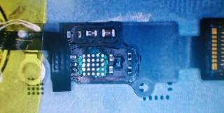 iPhone 7 - prebieha oprava home tlačidla
